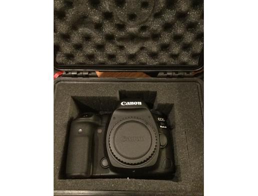 Canon EOS 5D Classic Camera-28-135mm Ultrasonic Lens-Filters-Flash-Accessories , Nairobi -  Kenya