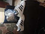 Adidas unisex shoe