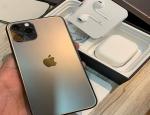 Apple iPhone 7 64GB .............€150